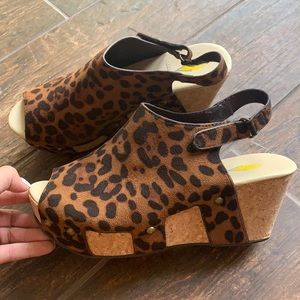 Volatile Brown Leopard wedges, size 8